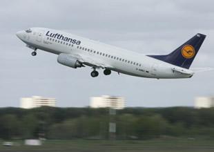 Lufthansa uçağı kokudan geri döndü