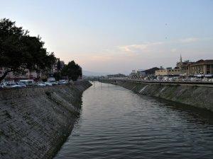 Asi Nehri tertemiz oldu