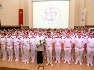 Denizciler Brövelerini taktı