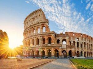 İtalya'nın kredi notunu düşürdü