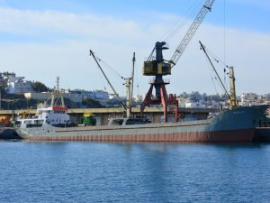 2 gemi Ege'nin kuzeyinde çatıştı!