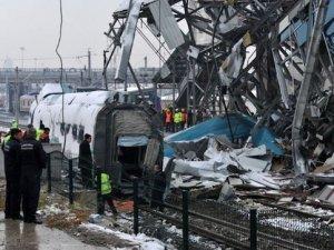 Tren kazasında telsizler incelemeye alındı