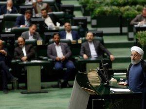 İran Meclisi'nde bütçe gerilimi yaşandı