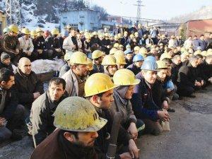 """""""Taşeron işçilerin kadro aldığı tarihi bir yıl oldu"""""""