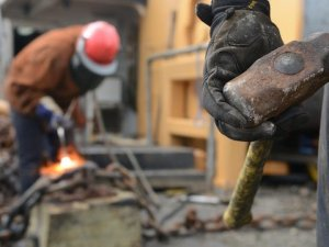 Taşeron işçiler için ek zam talebi!