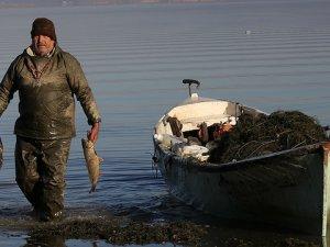 Marmara Gölü Balıkçıların yüzünü güldürdü!
