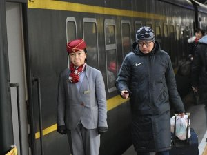 Milyonlarca Çinlinin uçak ve trene binmesi yasak