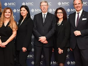 MSC Cruises, filosunu 2027'ye kadar 25 mega cruise gemiye çıkaracak