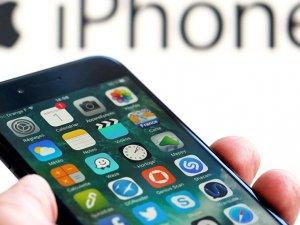 Apple katlanabilir telefon konusunda geç kaldı