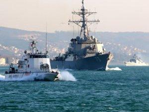 Rus ve ABD savaş gemileri, İstanbul Boğazı'ndan geçti