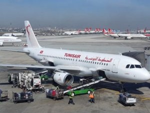 Atatürk Havalimanı'nda piste köpek girdi uçaklar pas geçti