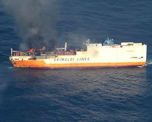 'Grande America' isimli Ro-Ro/Konteyner gemisi, Fransa'da battı