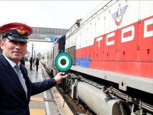 Ada trenleri yeniden seferlere başladı