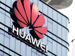 Huawei'ye bir ülkeden daha yasak