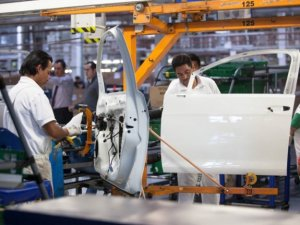 Trump'tan Meksika otomobillerine ek vergi tehdidi