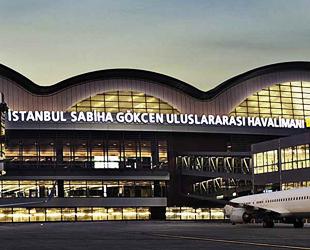 """""""Büyük göç"""" sırasında Sabiha Gökçen'e 2 dakikada bir uçak indi"""