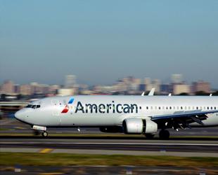 American Airlines uçuş iptallerini uzattı