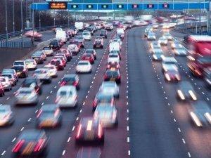 """Şehirlerin gürültü şampiyonu """"trafik"""""""