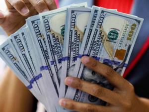 Dolar, TCMB öncesi 5.95'in üzerinde