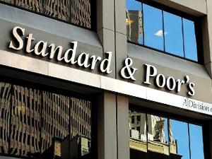 S&P: Türk bankaları oldukça kırılgan