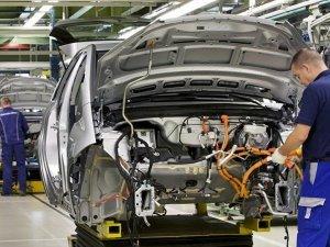 Yılın ilk 4 ayında üretim yüzde 13, ihracat yüzde 8 azaldı!