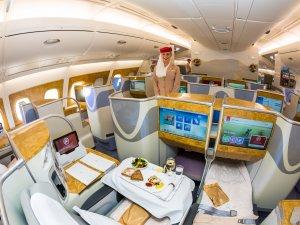 Emirates, Türkiye'den kabin ekibi istihdam edecek