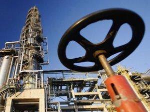 Türkiye'nin petrol ithalatı Mart ayında arttı