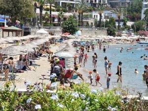 Turizm merkezlerindeki plajlarda yoğunluk