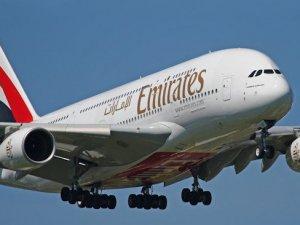 Emirates İstanbul ve İzmir'e kabin görevlisi alımına geliyor