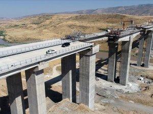 Hasankeyf-2 Köprüsü'nde son 30 metre