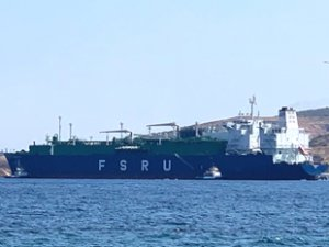TURQUOISE P isimli FSRU, Etki Limanı'na yanaştı