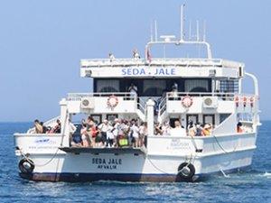 Dikili-Midilli feribot seferleri turizmi canlandırıyor