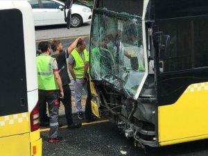 Üsküdar'da metrobüs kazası