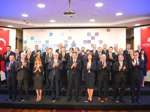 İBB Başkanı Ekrem İmamoğlu, A takımını tanıttı