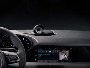 Yeni Porsche Taycan için Apple Music ile bir ilke imza atıldı