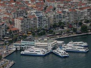 İzmir'de vapur seferleri iptal edildi
