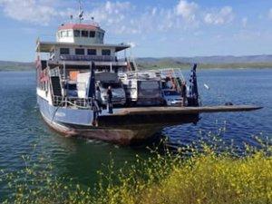 Keban Baraj Gölü'nde feribot seferlerine kış düzenlemesi yapıldı