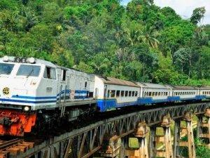 Cakarta-Surabaya demiryolu hayata geçiriliyor