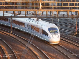 Çin'de hızlı tren rekor kırdı