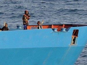 Gine Körfezi'nde, korsanlar 9 denizciyi kaçırdı