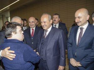 Bakan Turhan: Engellilerin ulaşım hizmetlerinde iyileştirmeler yapılıyor