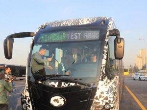 İmamoğlu yeni nesil yerli metrobüsü test etti