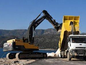 Çayağzı Yat Limanı'nda onarım çalışması başladı