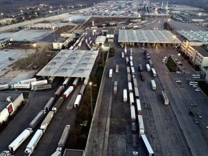 Kapıkule'de tır geçişlerinin hızlanması için peron sayısı artacak