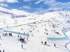 Kış turizminin gözdelerinden olan Palandöken yılbaşına hazır