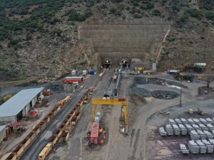 Türkiye'nin en uzun demir yolu tünelinde sona doğru