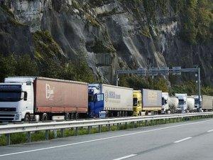 'Avrupa'ya yönelik taşımalarda tır karne fiyatları yüzde 55 düşürüldü'