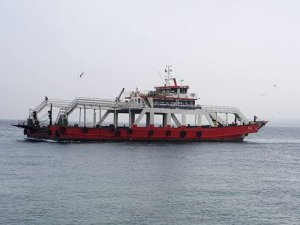 Çanakkale Boğazı'nda balıkçı teknesi ile feribot çarpıştı