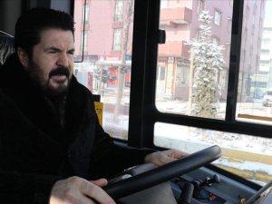 Belediye Başkanı, Ağrı'da hizmete giren otobüsleri şehir turuyla tanıttı