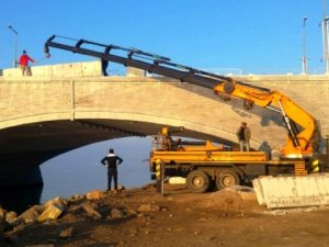 Ayvalık Gönül Yolu Köprüsü'nde 'manzara' çalışmaları devam ediyor